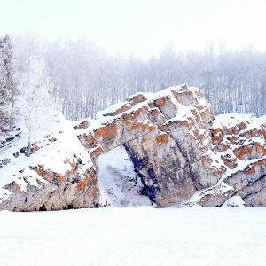 Скалы реки Исеть.