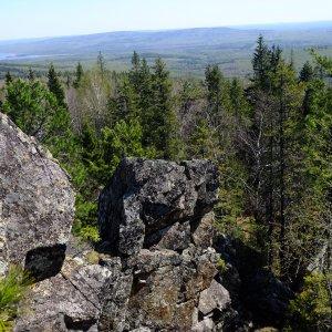 Черноисточинский пруд, Веселые горы