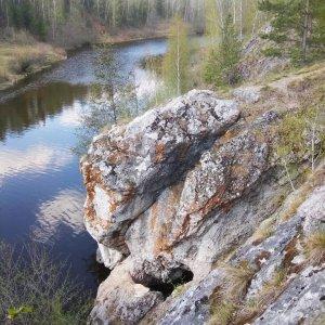 Скалы и гроты реки Кунары